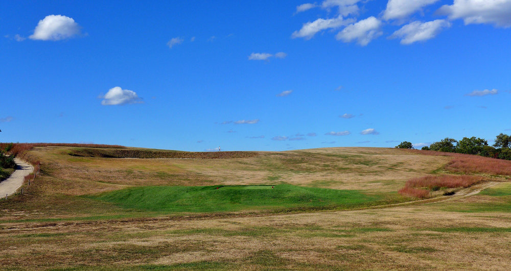 The blind 9th tee shot. Photo Credit: Jon Cavalier @linksgems