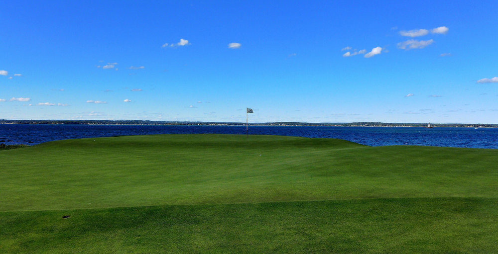 Arguably the greatest double plateau green in the world. Photo Credit: Jon Cavalier @linksgems
