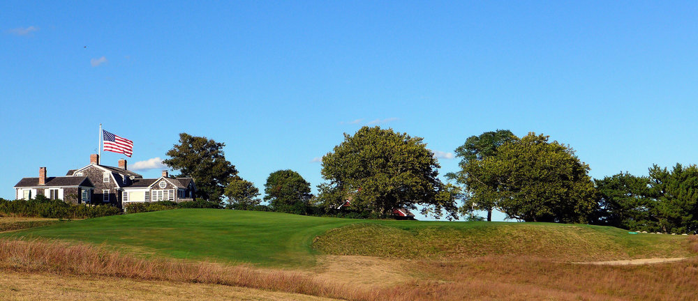 The approach to the reverse redan 12th. Photo Credit: Jon Cavalier @linksgems