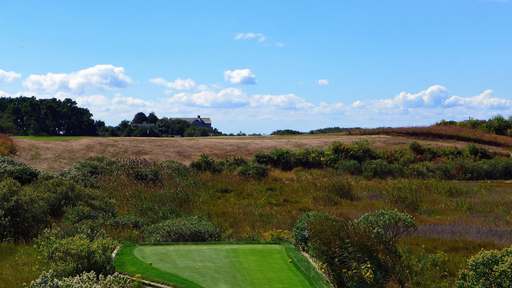 The blind tee shot at the 15th. Photo Credit: Jon Cavalier @linksgems