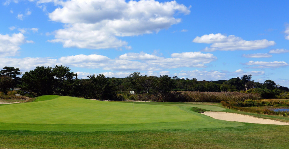 Looking back at the redan green at Fishers Island's 2nd. Photo Credit: Jon Cavalier. @linksgems