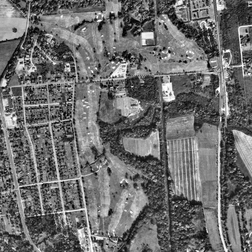 An aerial photograph of Belmont Golf Course from 1952