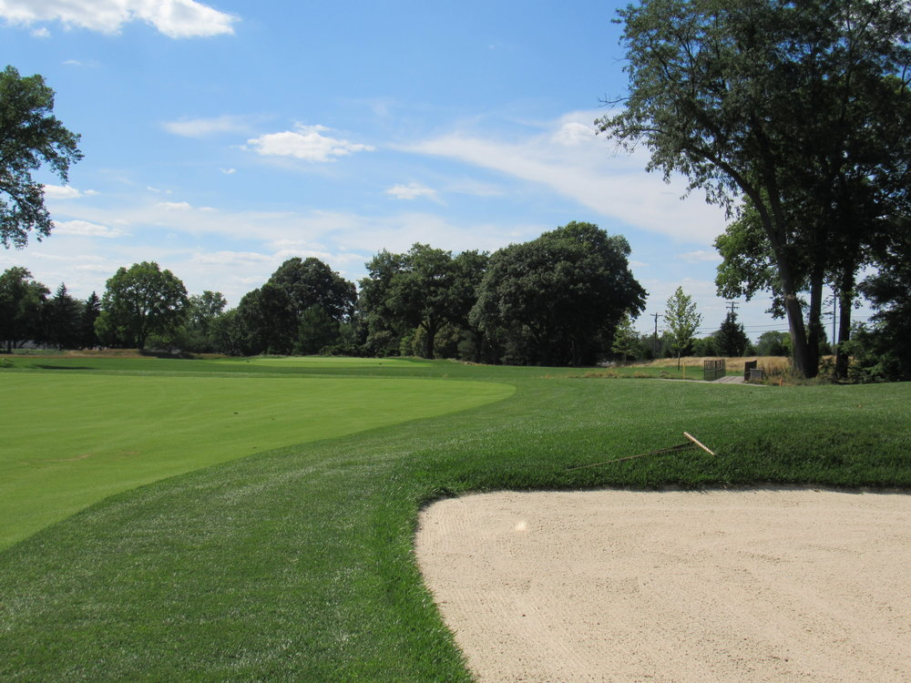 10th approach right bunker.JPG