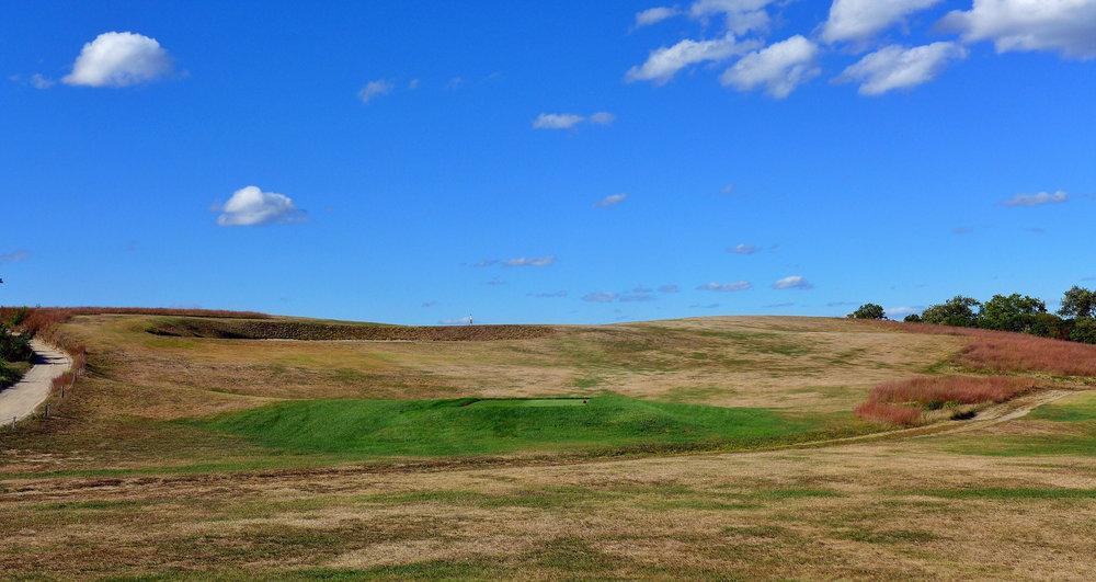 The 9th tee shot at Fishers Island Photo Credit: Jon Cavalier @linksgems