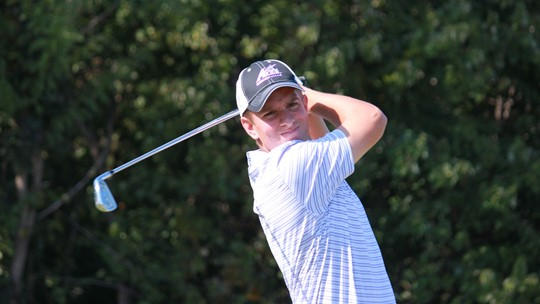 Will Knights playing college golf
