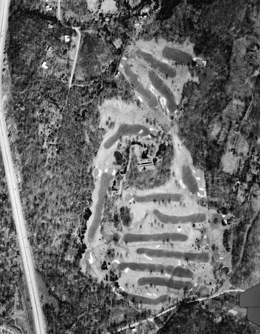 A 1965 Aerial which shows the golf course before Nicklaus renovation.
