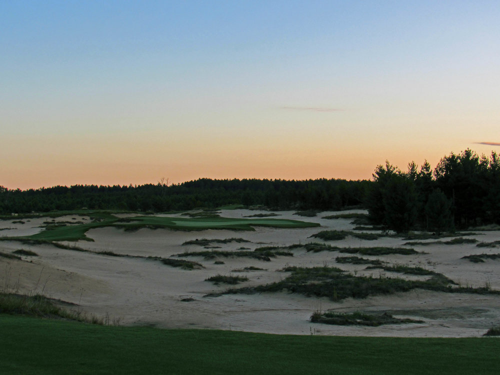 8th tee at Mammoth Dunes
