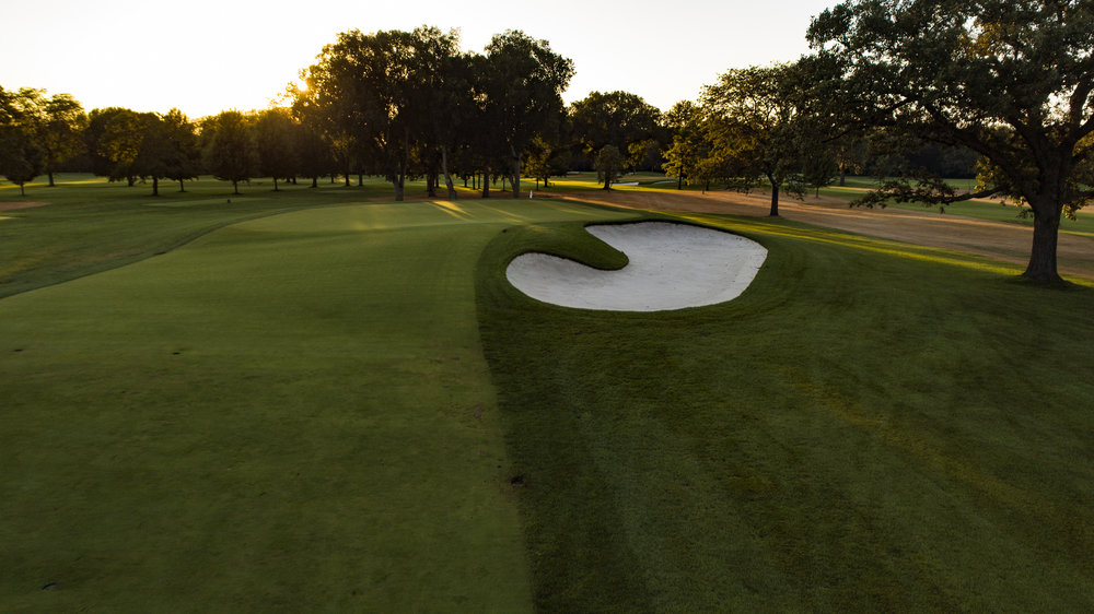 The par 4 5th green at Knollwood