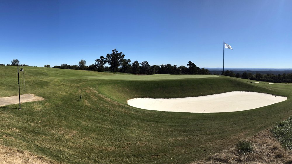 The deep green side bunkering at the 11th at Lookout Mountain.
