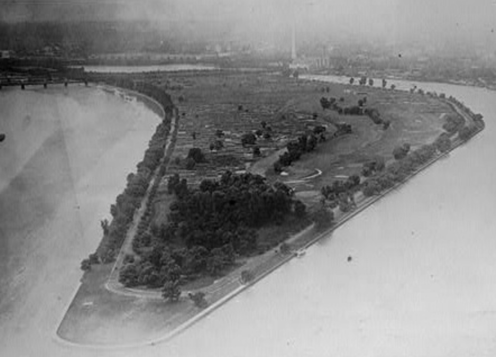The Original East Potomac 9 holes and Washington Monument. Credit: National Parks Service