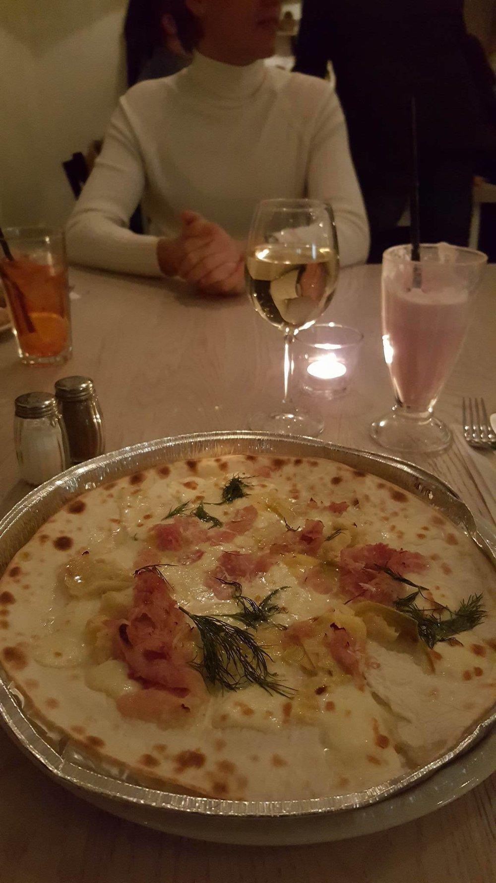 Už nuotrauką ir paragautą picą be gliuteno dėkoju savo draugams:Petrui ir Karoliui!