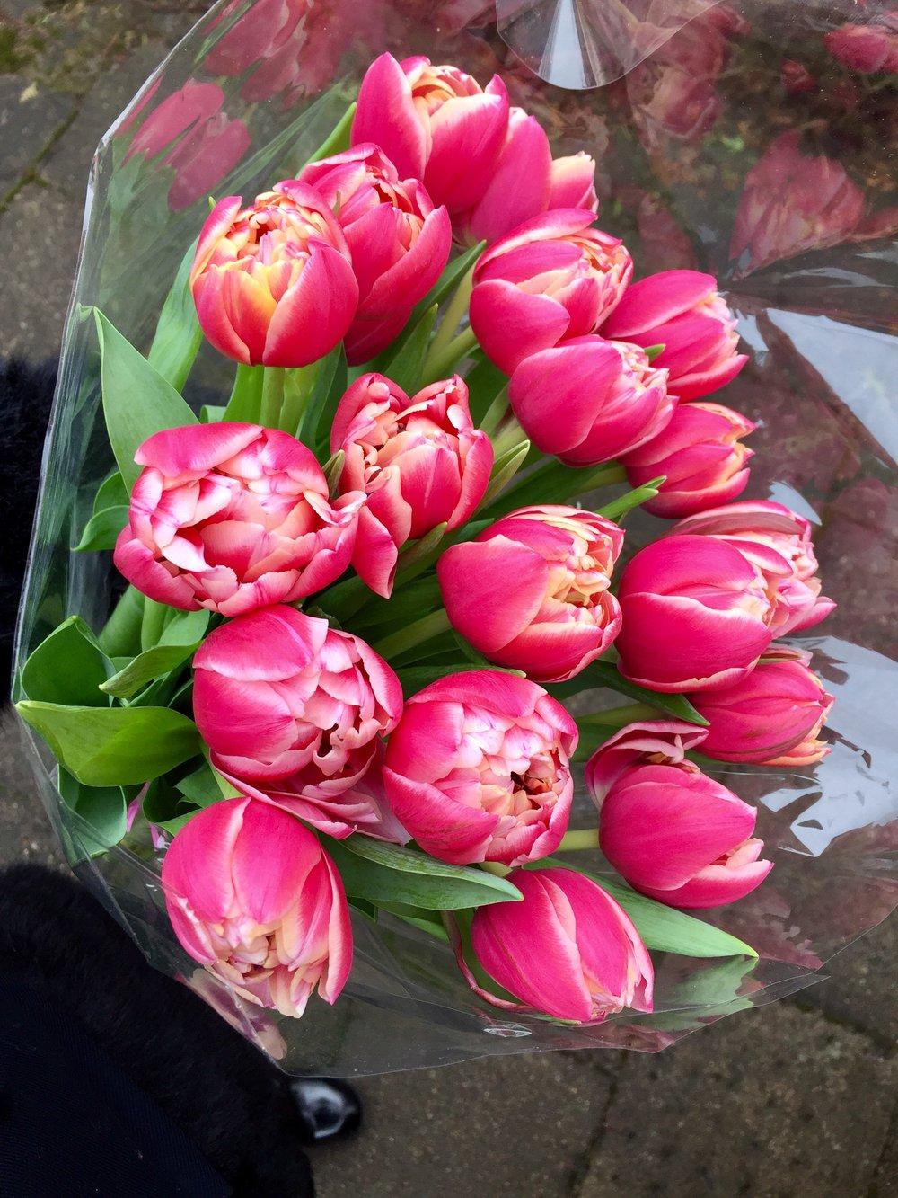 Ačiū mano mielosioms draugėms Laurai ir Evelinai už nuostabias pavasarines gėles!