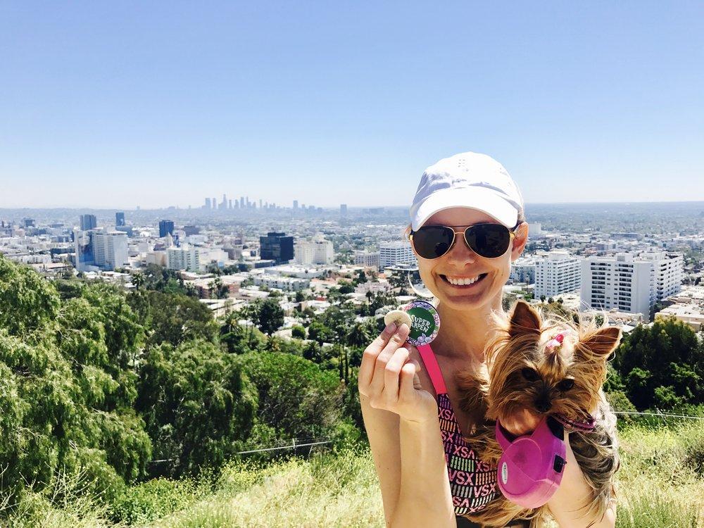 Užkopus į Hollywood'o kalną puikus užkandis liofilizuotas bananas!:)