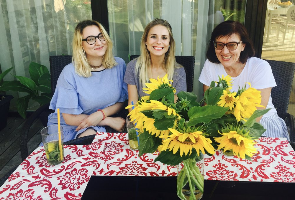Rožinė virtuvės princesė Sigutė, Kristina ir mielogi draugėLaimutė