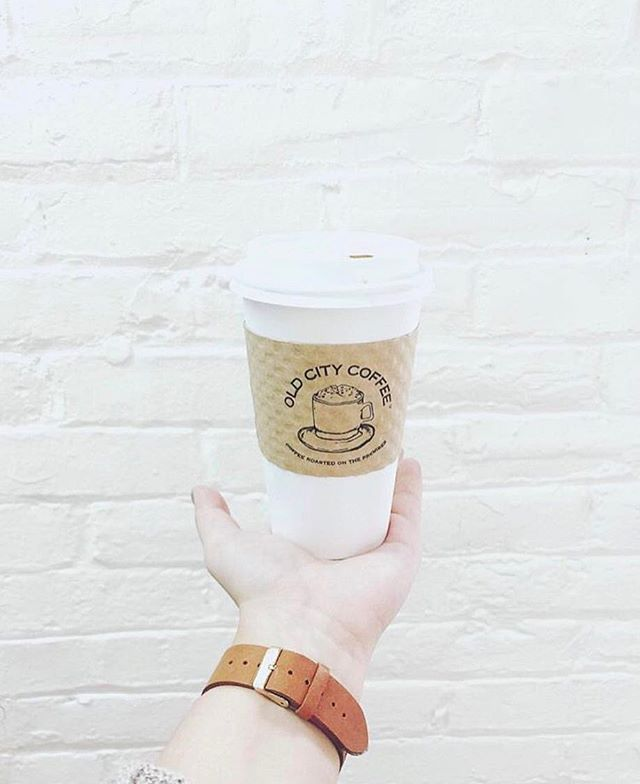 happy friday! stop by @oldcitycoffee  and grab a cup of joe before the weekend! ☕️☕️ . 📍Philadelphia, PA . #healthy #greenhopping #healthiswealth #organic #glutenfree #vegan #vegetarian #veganeats #vegetarianeats #veganfoodshare #veganfoodporn #foodporn #acaibowls #blueberrymonth #foodie