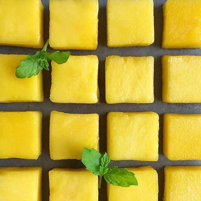 MANGO AND LIME 😍 look how fabulous this looks! for a healthier dessert try mango with some lime. If it isn't sweet enough for you, sprinkle some organic sugar on it! . healthy #greenhopping #healthiswealth #organic #glutenfree #vegan #vegetarian #veganeats #vegetarianeats #veganfoodshare #veganfoodporn #foodporn #acaibowls #blueberrymonth #foodie