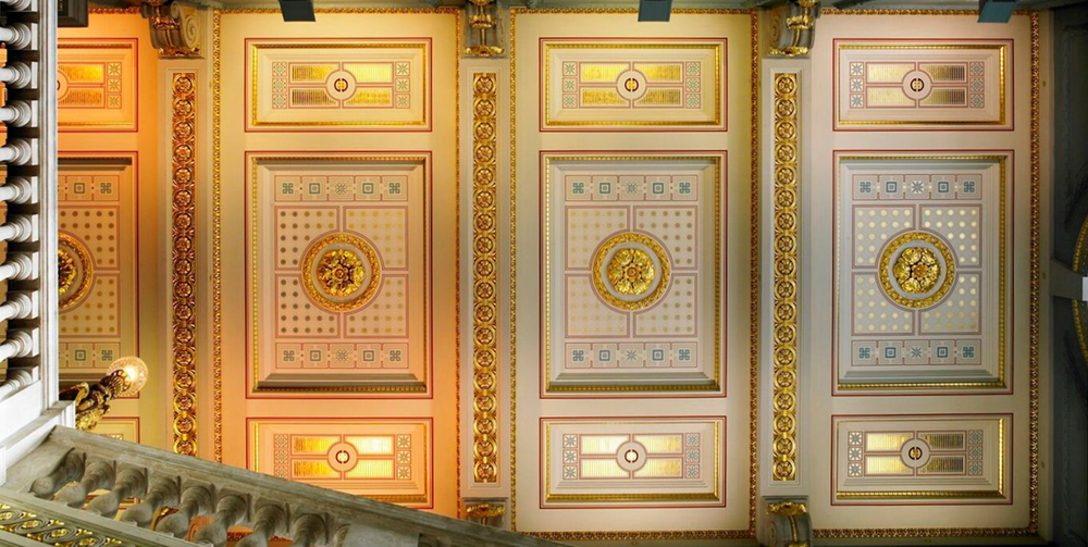 Westminster: The new Ceiling at the Oxford & Cambridge Club Photographer: Michael Caldwell