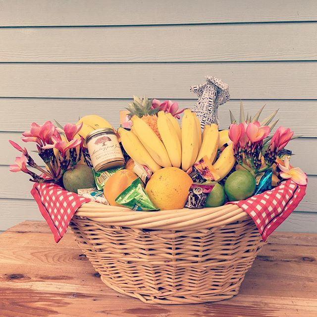 Summer fruit basket and a few of our favorite treats! 🍊🍋🍌🍍 #farmfresh #kauai #kauailife #kauaipicnic #monkeypodmoment