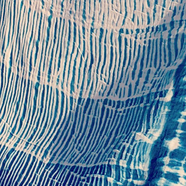 We're hosting another #indigo #naturaldye #kauaiworkshop @monkeypodjam this Saturday from 4-7pm! Sign up online! 💙#kauai #monkeypodmoment #paperplaneevents #kauaiaswhy #kauaievents #kauaiartist #handmade #handmadekitchen