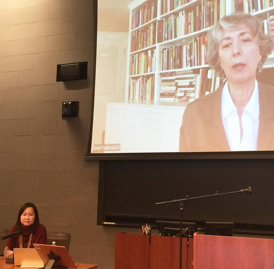 Joan Kee and Martha Buskirk discussing contracts, artists' foundations, and conceptual art, at Cornell Law School (March 2017).