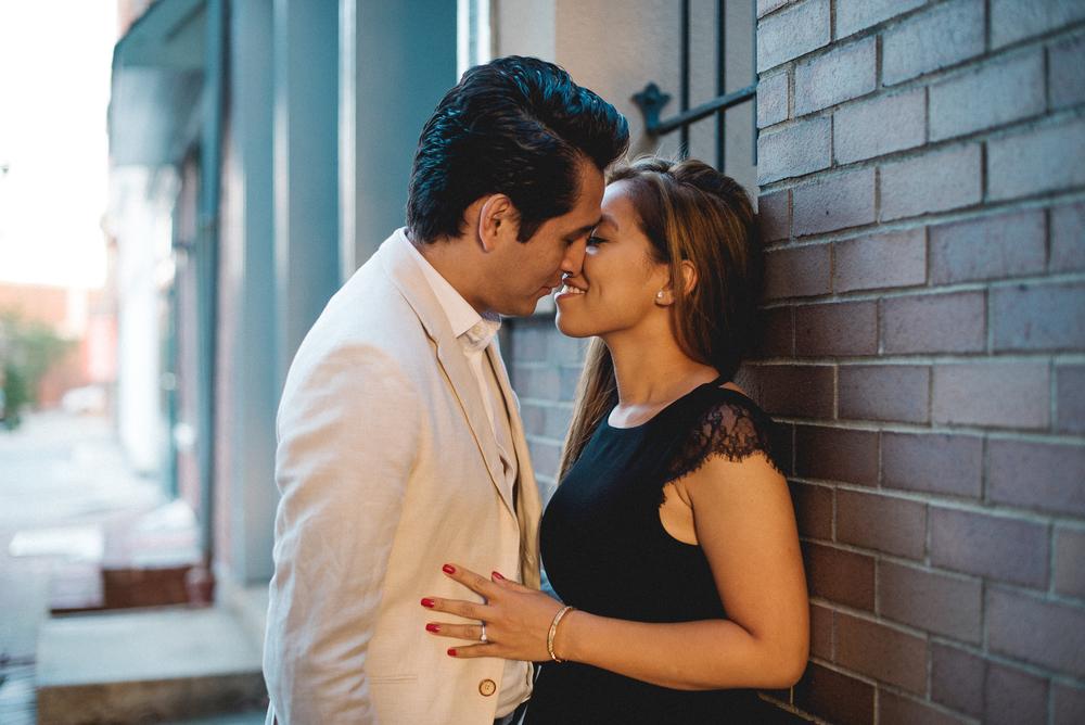 Old-City-Philadelphia-Engagement-Peaberry-Photography-Pennsylvania-Wedding-Photographer-001.jpg