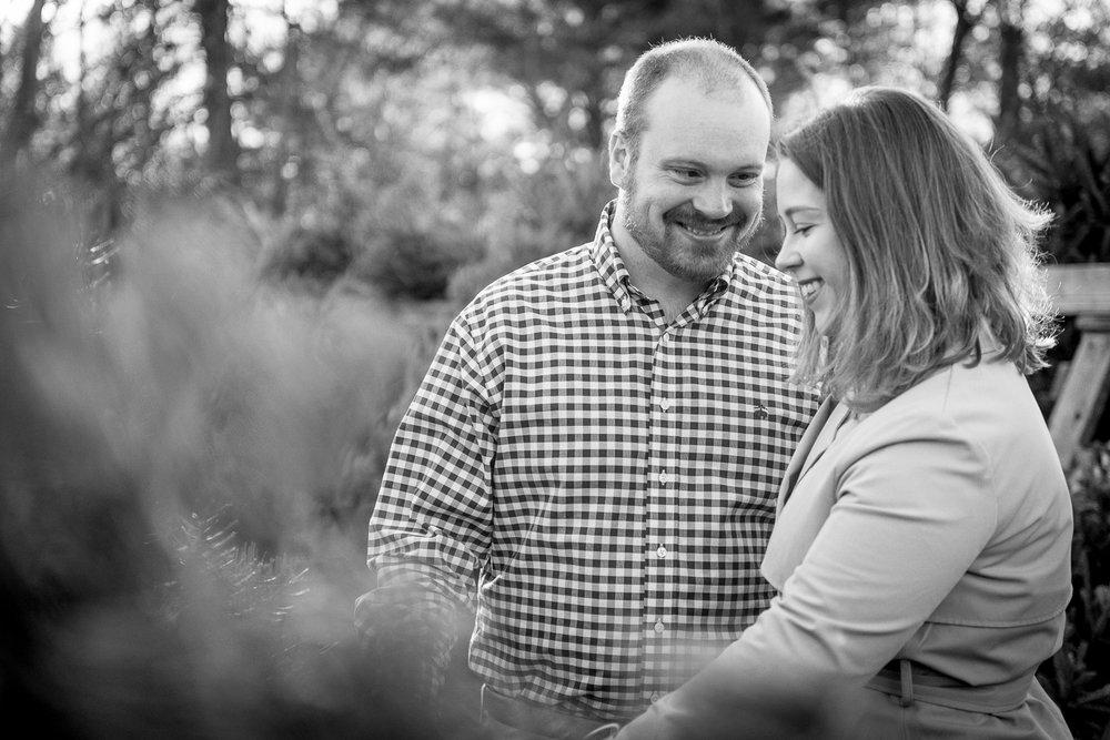 Lansdale-pennsylvania-engagement-photographer-the-rhoads-garden2.jpg