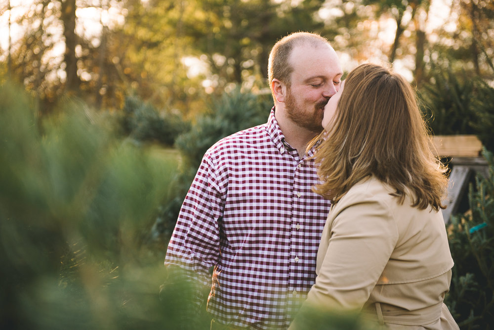 Lansdale-pennsylvania-engagement-photographer-the-rhoads-garden3.jpg