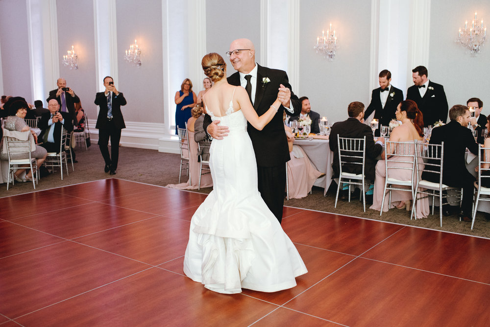 Philadelphia-PA-wedding-Photographer-the-ballroom-at-ellis-preserve-Malvern-prep-peaberry-photography-81.jpg