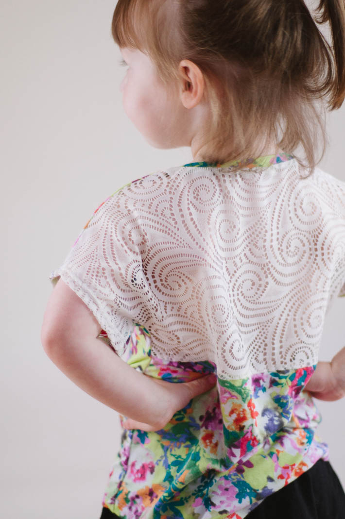 lace back figgy's celestial tee