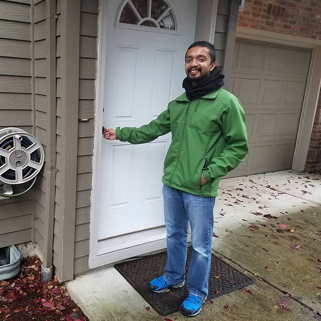It was such a pleasure to help @michaelhalka buy his first home...and in my hood! Just closed today, and here's the action shot! #livingroomrealty #makeroomtolive #portlandrealestate @livingroomrealty