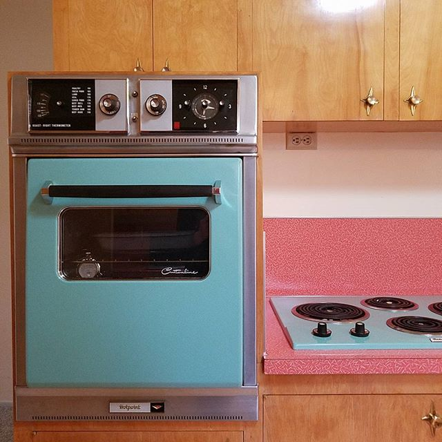 Busy open house today! Just look at these original 1959 appliances! 😍😍