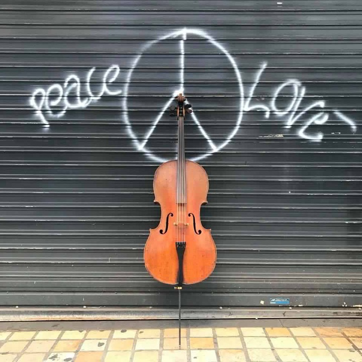 Peace, love, and cello in Arras