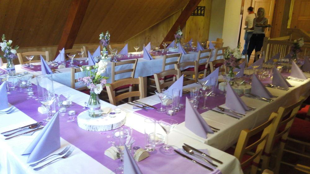 Salónek připraven na svatbu