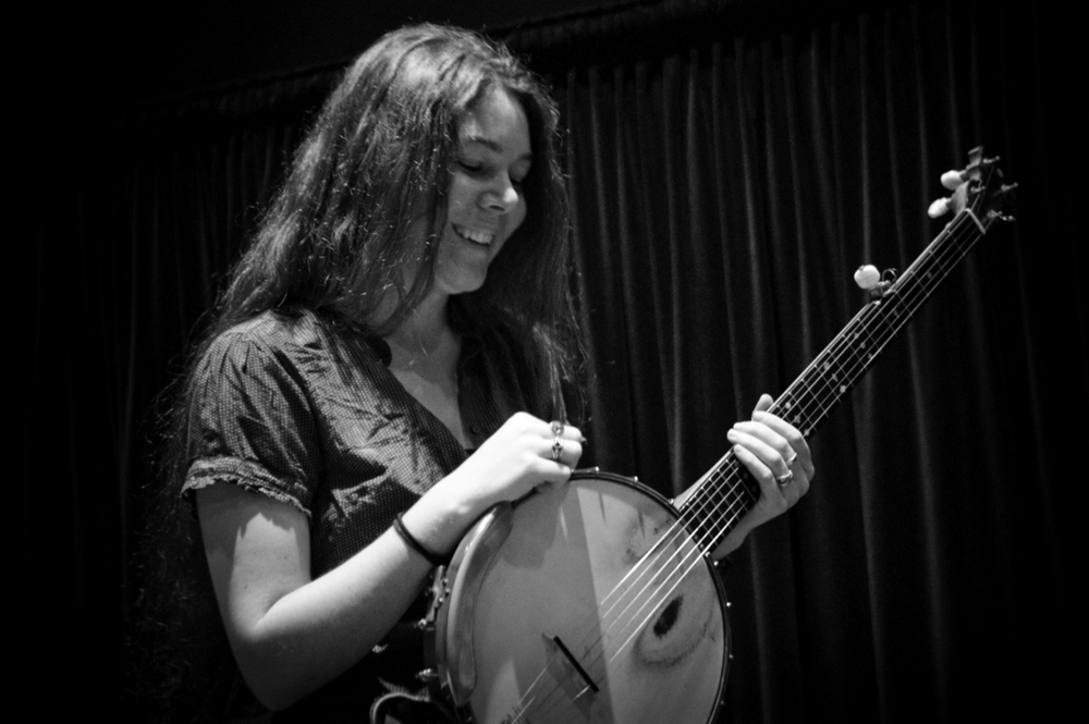 ELIZABETH LAPRELLE   | BANJO, SINGING, VISUAL ARTS
