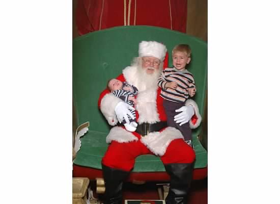 E and S with Santa 2006.jpeg