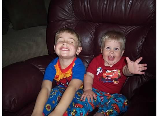 E and S big smiles 2007.jpeg