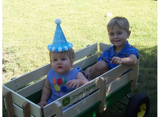 E and S first birthday.2007.jpg