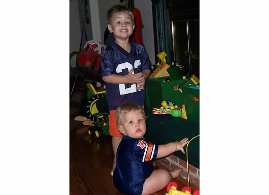 E and S in AU jerseys 2007.jpeg