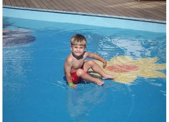 E in pool on cruise 2007.jpeg