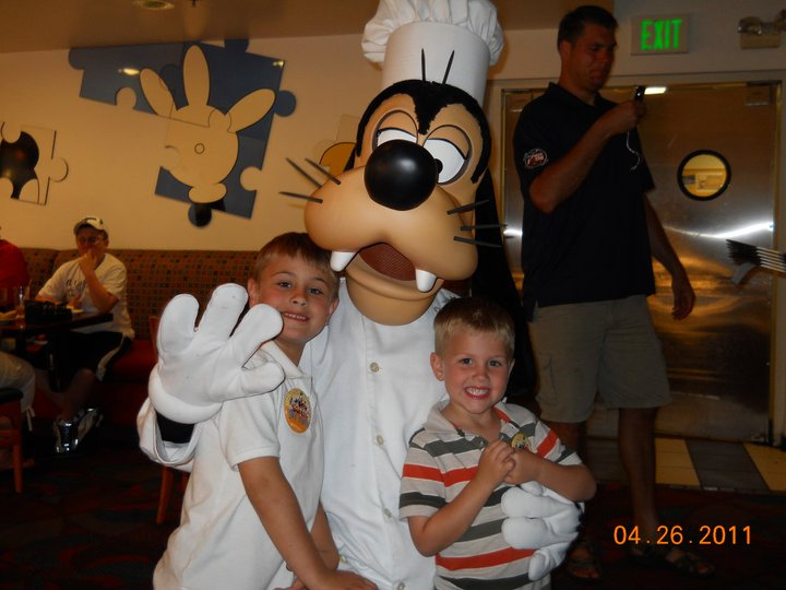 2011 Disney with Goofy.jpeg