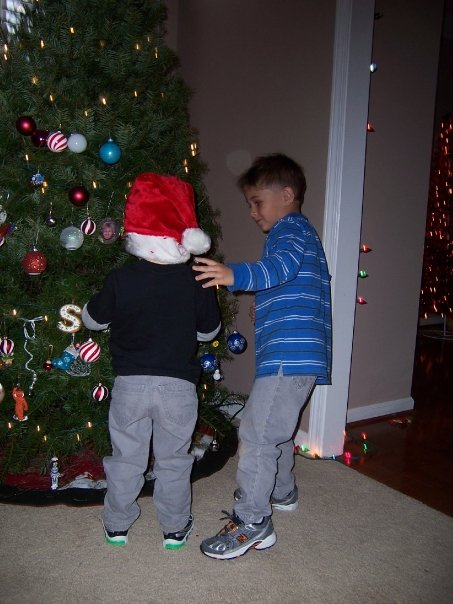 2009 Boys decorating tree.jpeg
