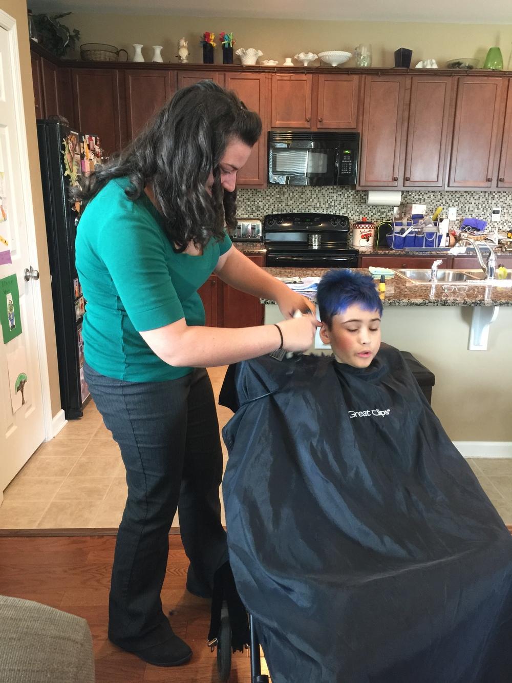 2015 Rachel cutting E's hair.jpeg