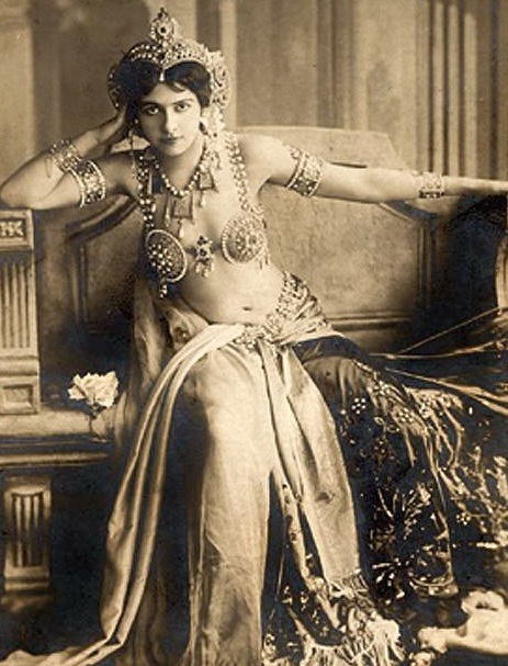 Mata Hari  1905, Mata Hari began to win fame as an exotic dancer. She was a contemporary of dancers Isadora Duncan & Ruth St Denis became   leaders in the early modern dance   movement, which around the turn of the 20th century looked to Asia   and Egypt    for artistic inspiration. Critics would later write about this and other such movements within the context of O rientalism.