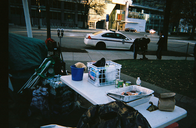 Harassment - DC Police and Secret Service Bless The Homeless With Food, Clothing, and Hygiene / Park Police Demoralize The Homeless