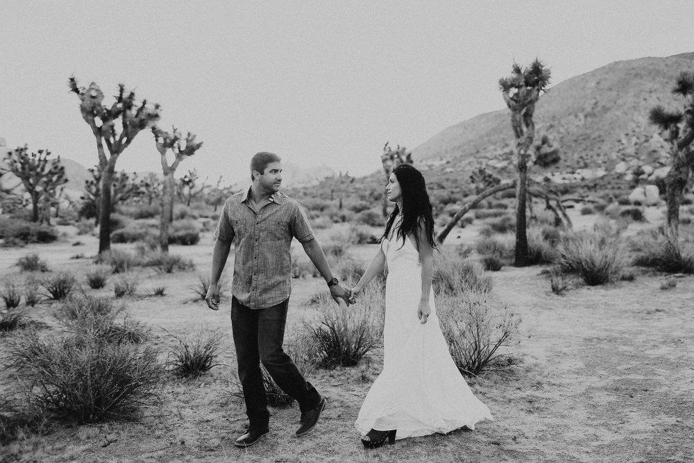 Desert_Engagement_MelissaMarshall_6.jpg