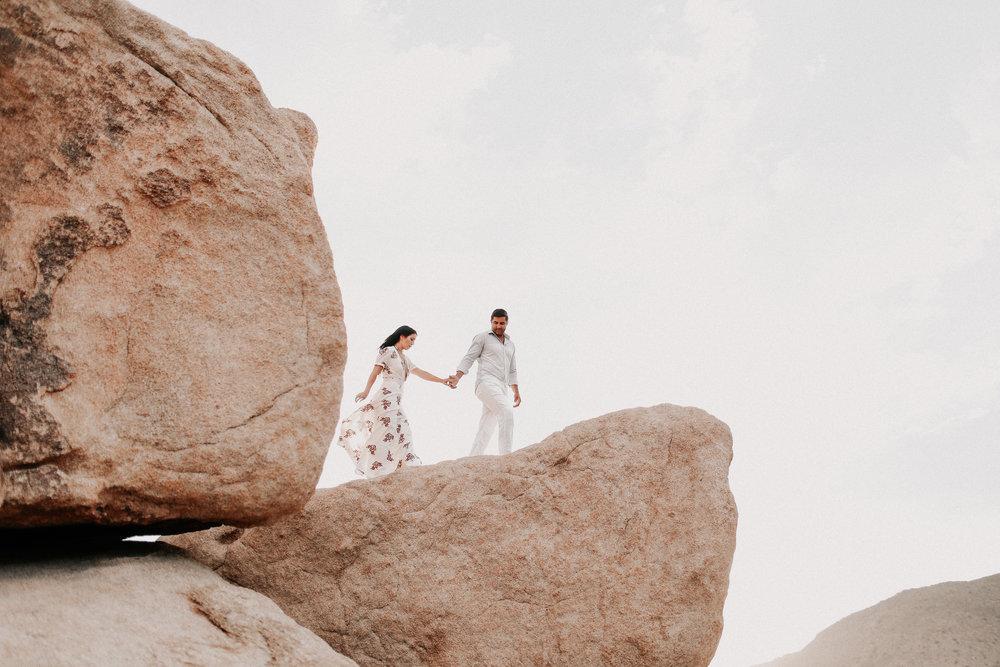 Desert_Engagement_MelissaMarshall_8.jpg
