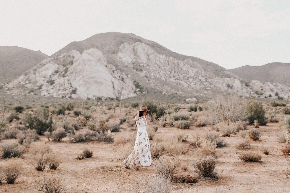 Desert_Engagement_MelissaMarshall_13.jpg