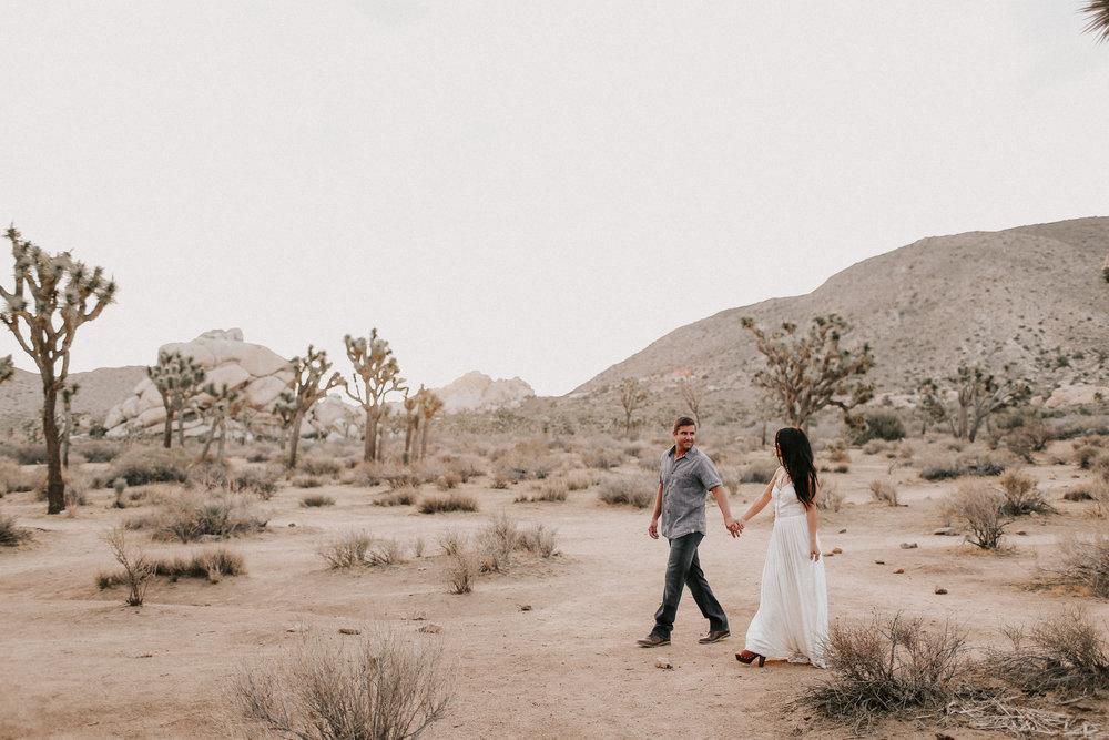 Desert_Engagement_MelissaMarshall_17.jpg