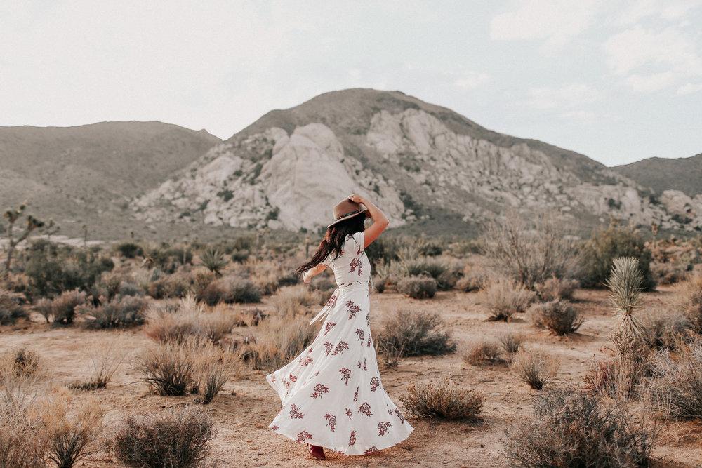 Desert_Engagement_MelissaMarshall_35.jpg