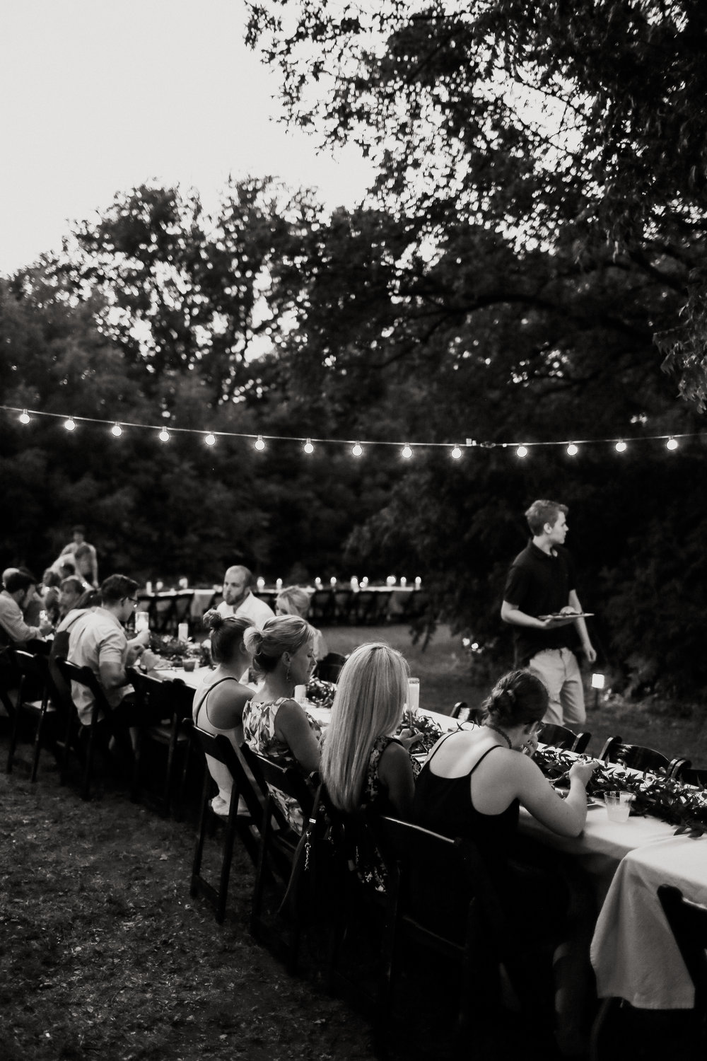 Backyard_Wedding_Oklahoma_MelissaMarshall_34.jpg